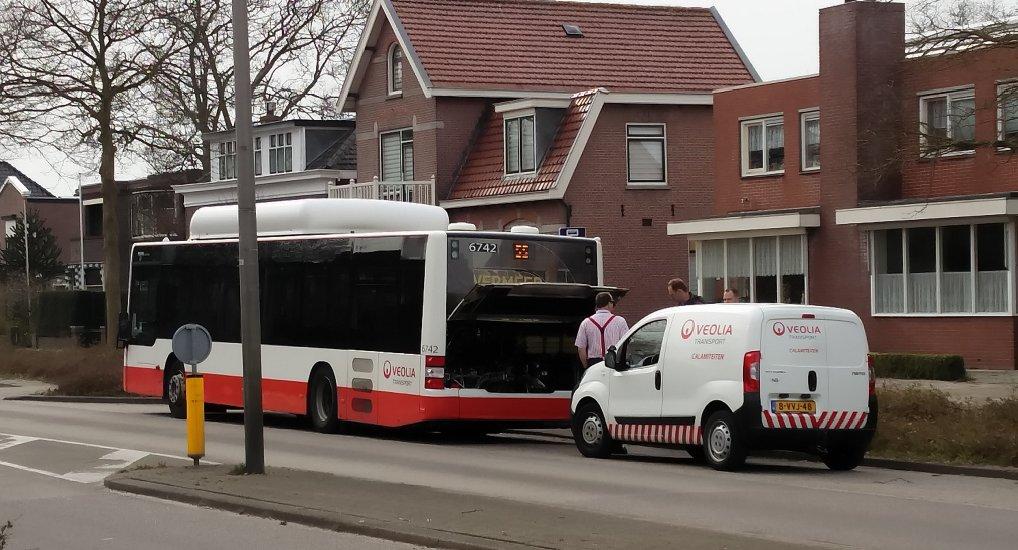 Bus met pech op Westlaan.
