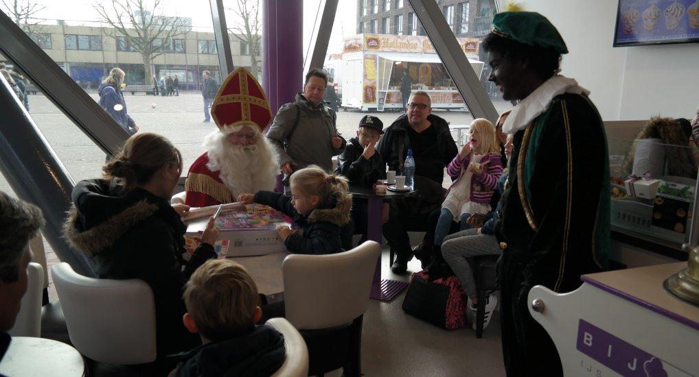 Prijzen Sinterklaas kleurwedstrijd.