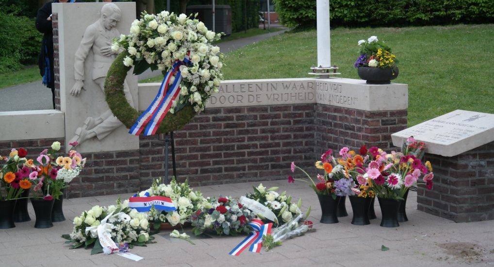 Dodenherdenking monument Emmapark.