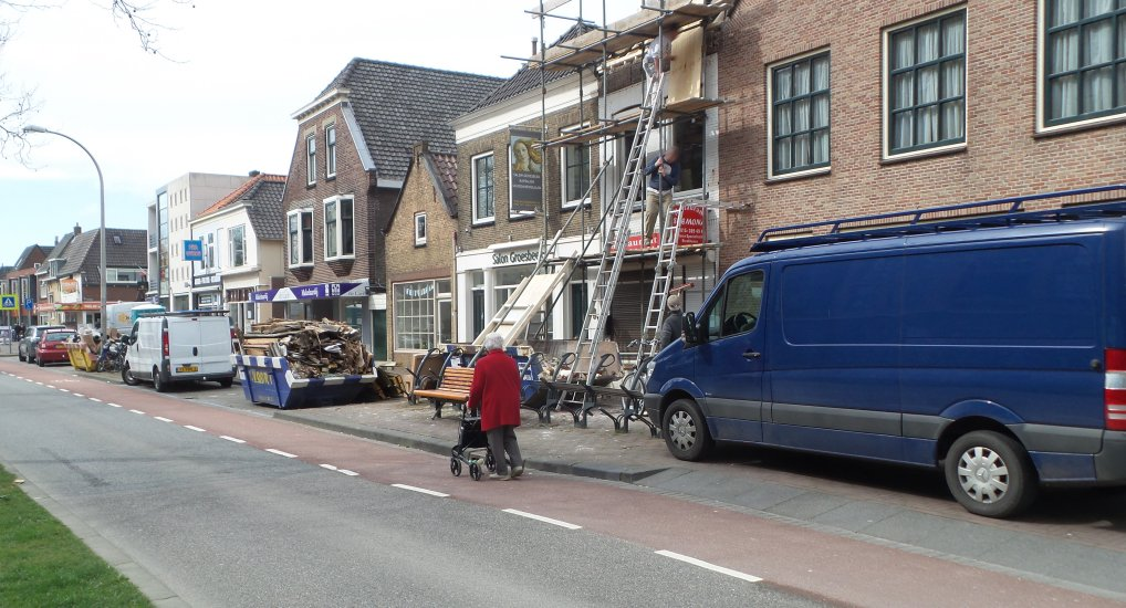 Verbouwdrukte op de Oostlaan.