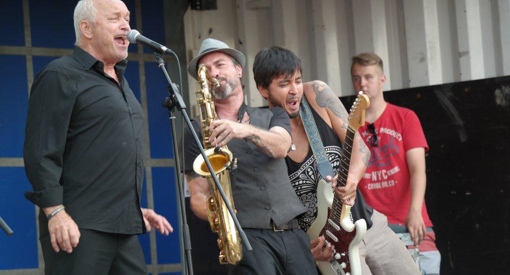 Muziekfeest op het Raadhuisplein.