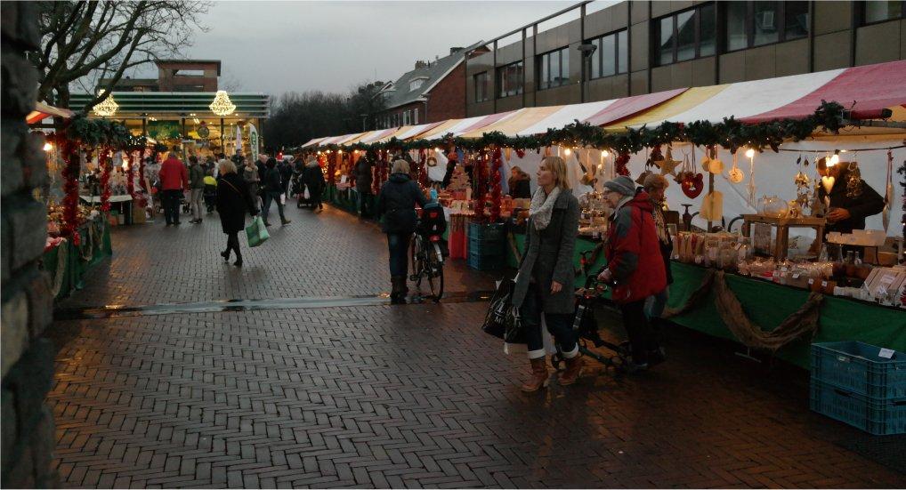 Kerstmarkt in winkelcentrum Ackershof.