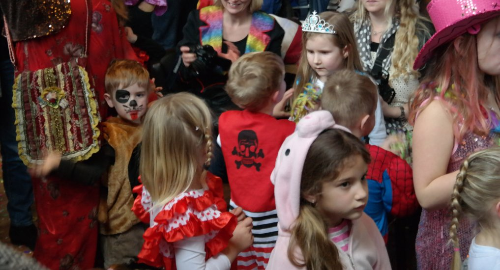 Kindercarnaval in het centrum.