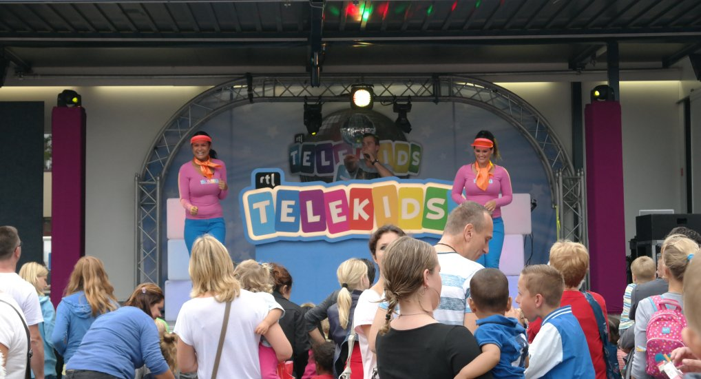 Telekids disco show Raadhuisplein.
