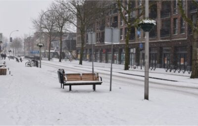 Sneeuwval in het centrum van Pijnacker.