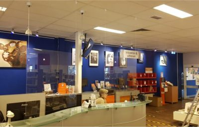 Bibliotheek Oostland weer open.