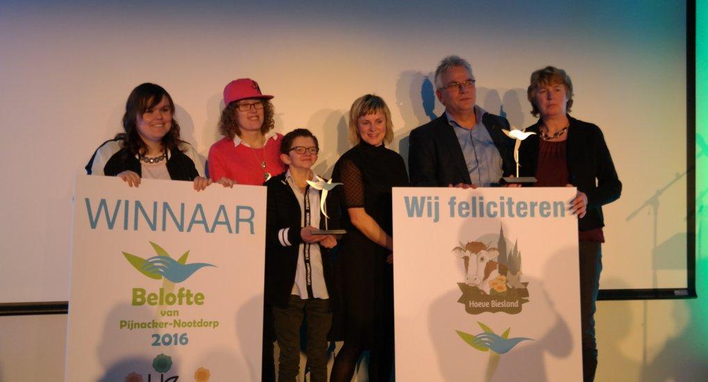 Ondernemersprijs Hoeve Biesland en Zorgkwekerij Bloei.