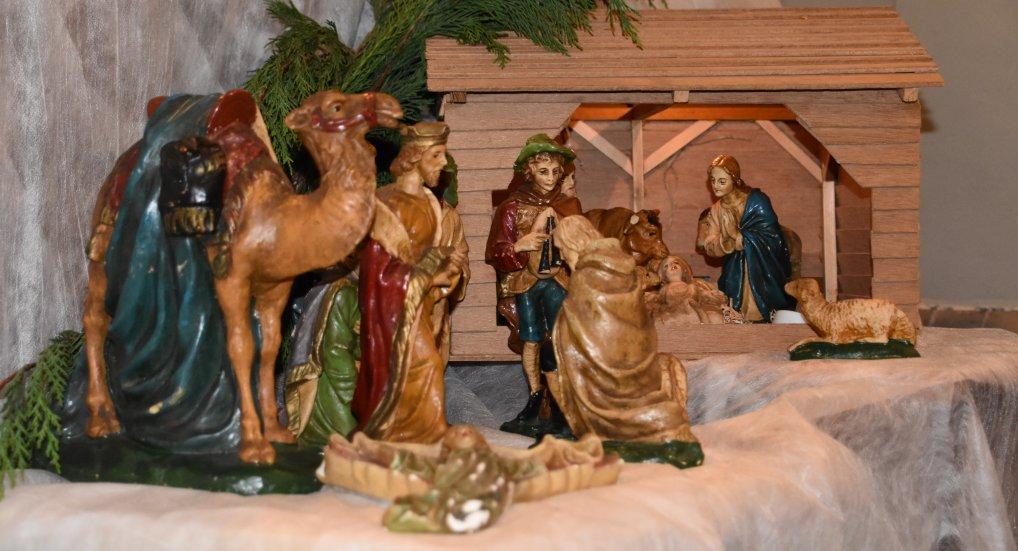 Prachtige Kerststallen in de R.K. Kerk.
