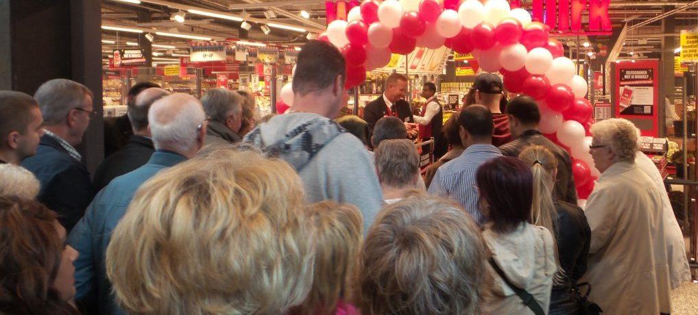 Dirk Ackershof2 geopend.