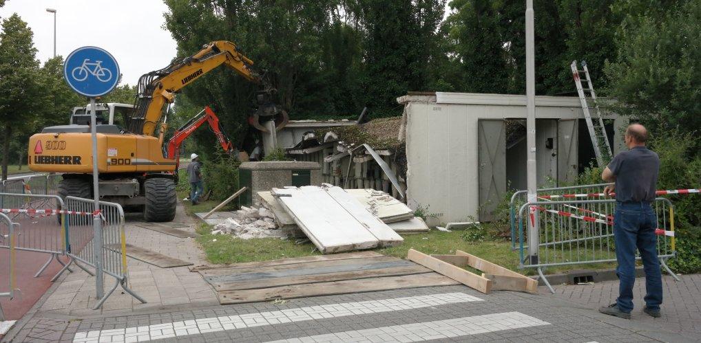 Elektriciteitshuis Hazelaarplein afgebroken.