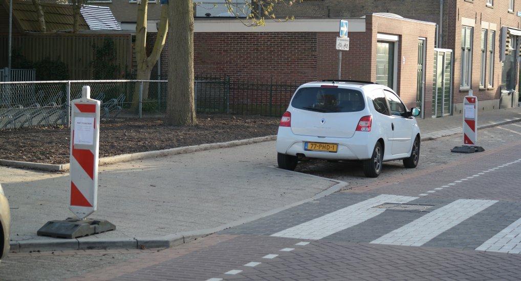 Niet parkeren gedeelte Stationsstraat.