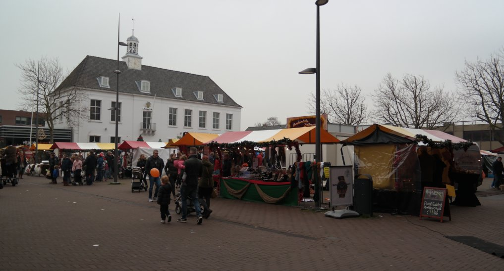 Kerstmarkt op het Raadhuisplein e.o.
