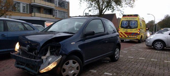 Ongeval auto vs buurtbus Nobellaan.