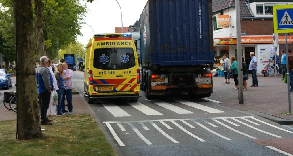 Ambulance met spoed langs Kraaienrit.
