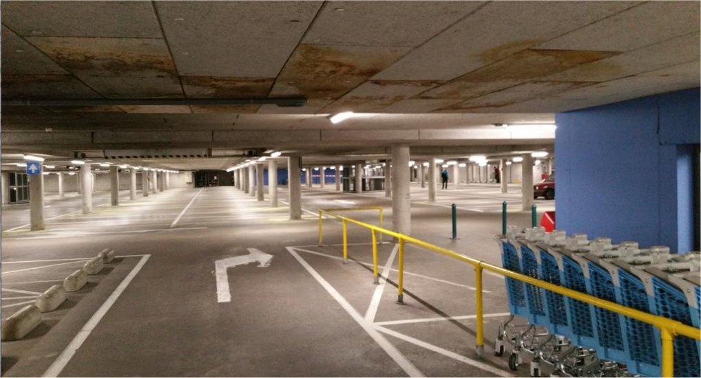 Verflucht in Ackershof parkeergarage.