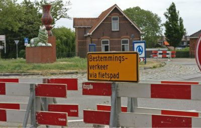 Delftsestraatweg een maand afgesloten.