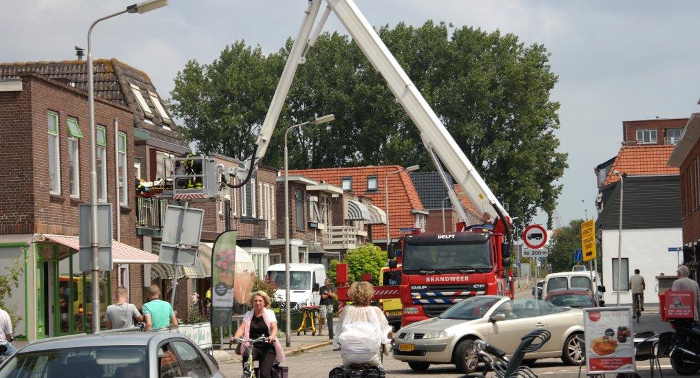 Hulp brandweer voor ambulance.