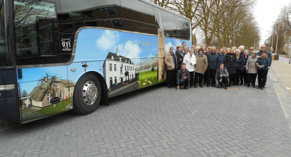 Zangkoor Eigenwijs on Tour.