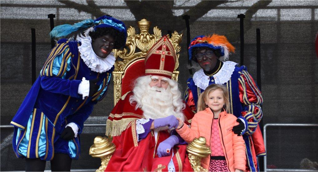 Sinterklaas feestelijk ingehaald.