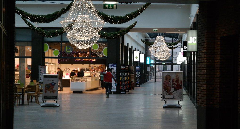 Koopzondag in winkelcentrum Ackershof.