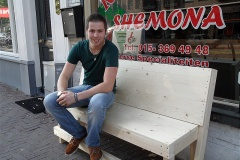 09-08-2013_bankje_shoarma