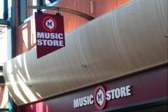 28-01-2013_music_store
